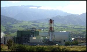 Entourées de montagne, l'usine est à quelques kms de la Villa Romeo